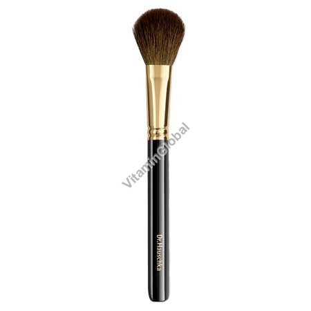 Professional-quality Rouge Brush - Dr. Hauschka